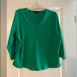 Kelly green 3/4 length sleeve T for work or play